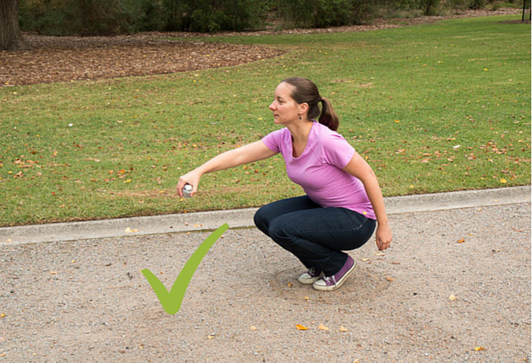 rules of petanque - throwing position