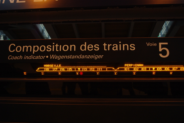 how to take the train on France - coach indicator