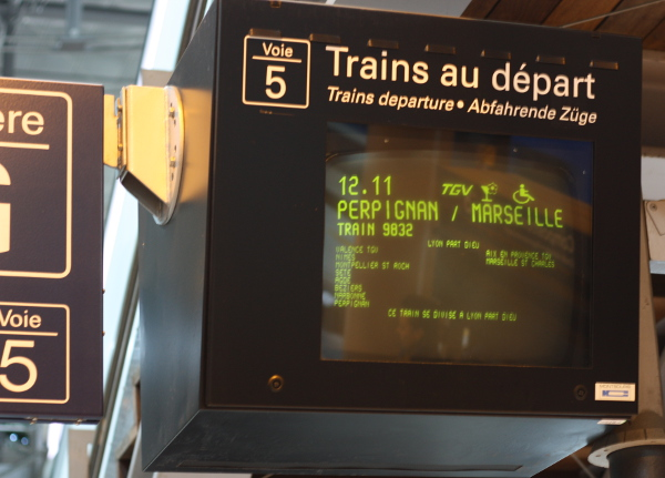 how to take the train in France - splitting trains