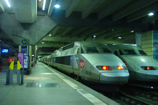how to take the train in France - TGV