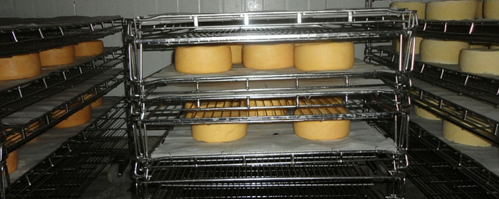FV 034 : Why Cheese Smells and Other Secrets Behind Cheese-Making with L'Artisan Cheese